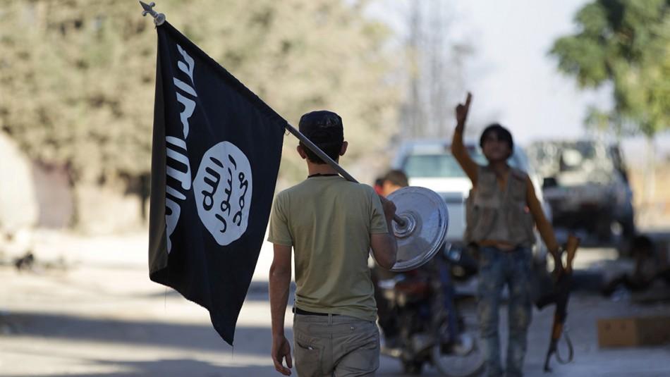Padres de chilena-sueca que murió defendiendo al Estado Islámico luchan por recuperar a sus nietos en Siria
