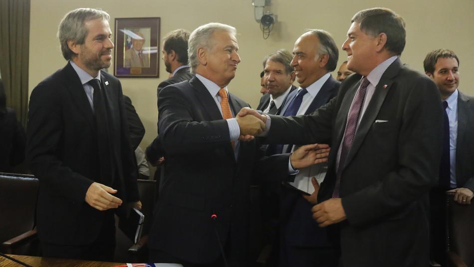 Ministro de Hacienda Felipe Larraín valoró la aprobación / Agencia Uno.