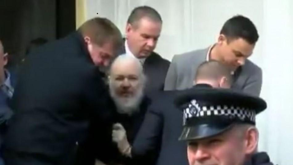 [VIDEO] Así fue la detención de Julian Assange en la embajada de Ecuador