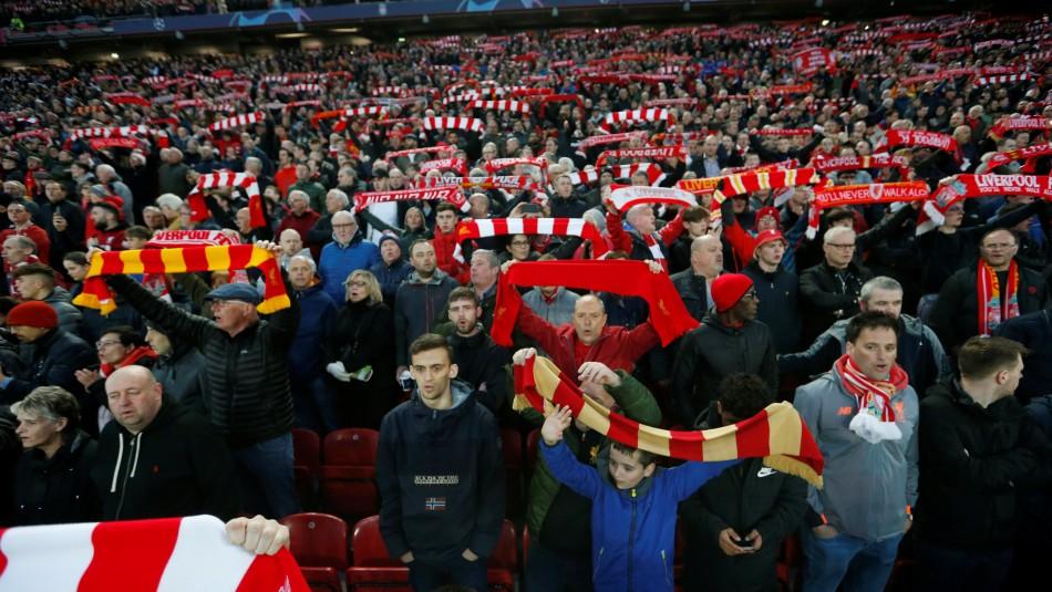 [FOTO] El aplaudido gesto del Liverpool con las mujeres que asisten a su estadio