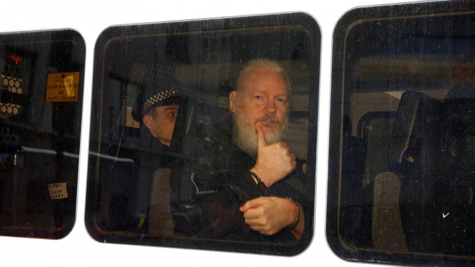 Periodista chilena que conoció a Julian Assange: