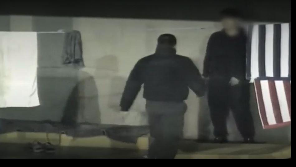 [VIDEO] Reo intenta fugarse con una cuerda artesanal desde Centro de Detención Preventiva Santiago 1