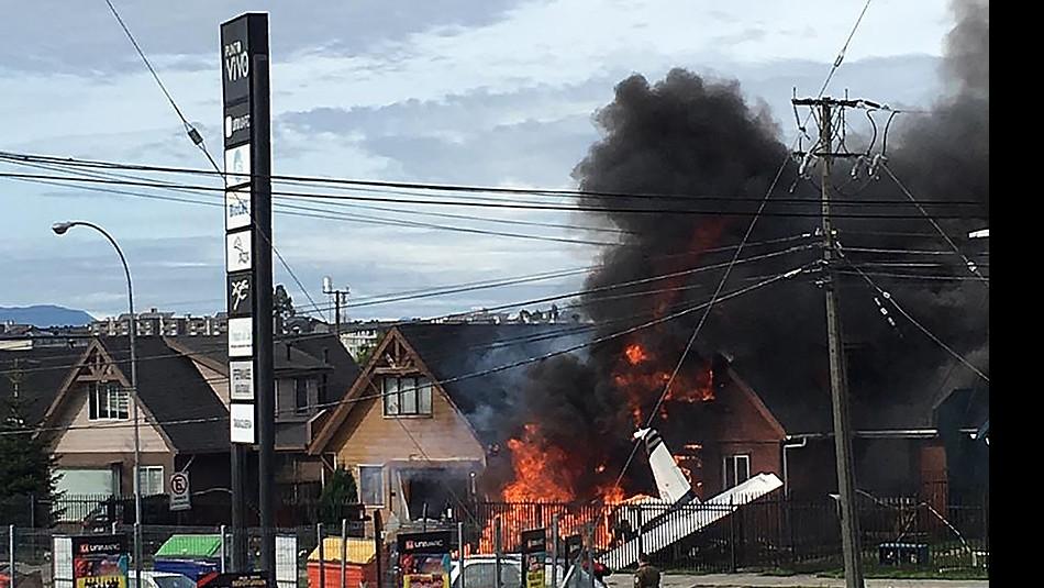 [VIDEO] Así fue la emergencia por la avión que cayó sobre una casa en Puerto Montt