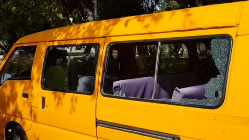 Investigan a carabinero de franco que quebró los vidrios de furgón escolar con niños en su interior
