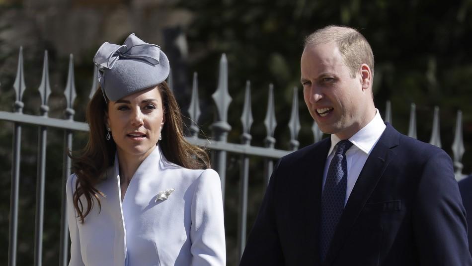 Príncipe William y su esposa / AFP