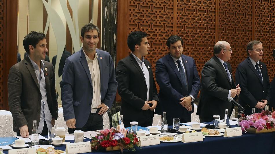 Cristóbal y Sebastián Piñera Morel en el encuentro con grandes empresas de tecnología. / AgenciaUno