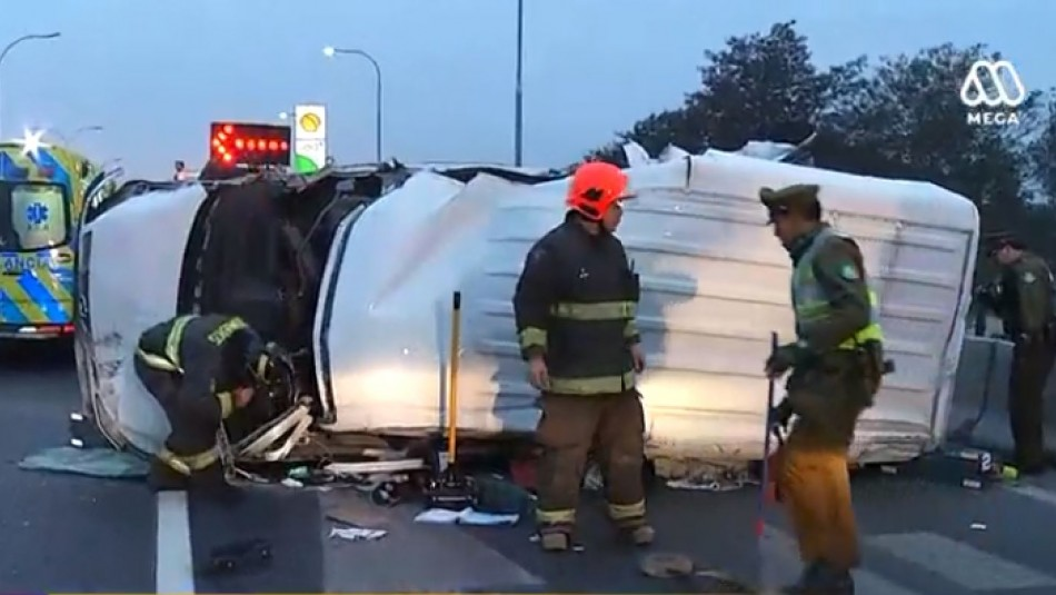 Volcamiento de camioneta en General Velásquez deja a conductor herido de gravedad