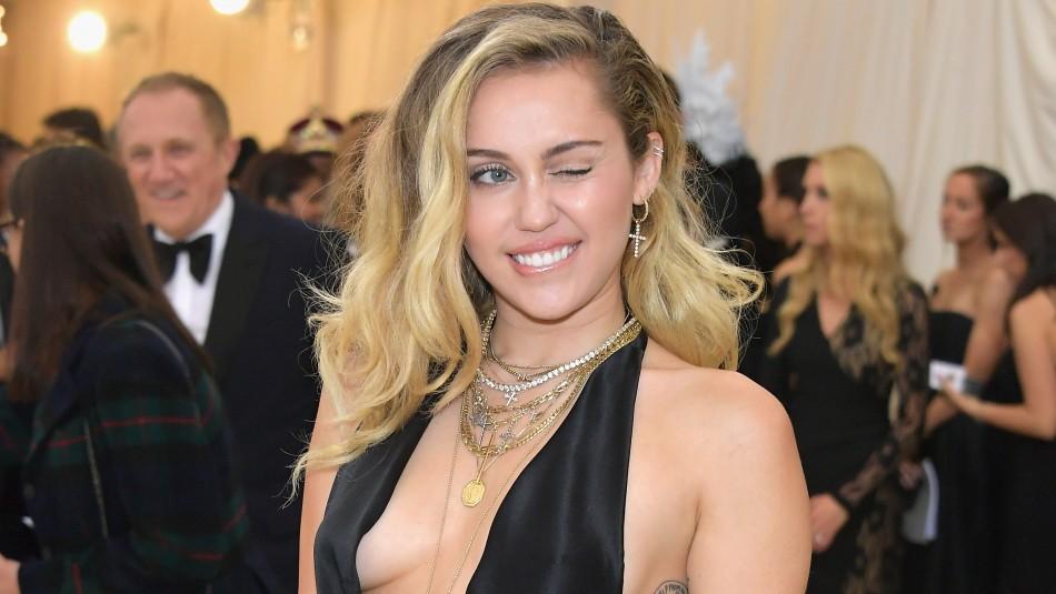 [FOTO] La atrevida imagen de Miley Cyrus en su preparación para la Met Gala 2019