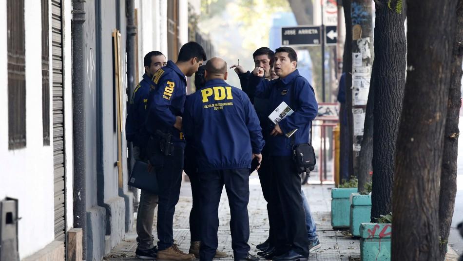 Confirman causa de muerte de mujer encontrada al interior de una maleta en llamas en Providencia