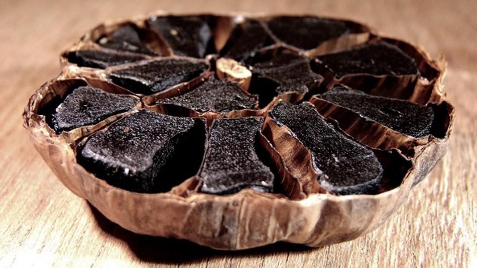 Descubren beneficios del ajo negro chilote para la salud