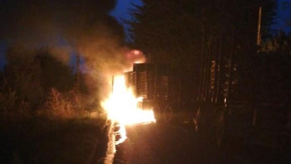 Camión es quemado en nuevo ataque incendiario en ruta de Arauco