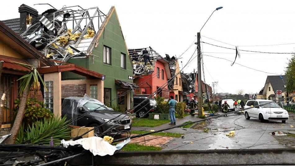 Casas destruidas en Talcahuano tras el paso de la tromba marina / Agencia Uno.