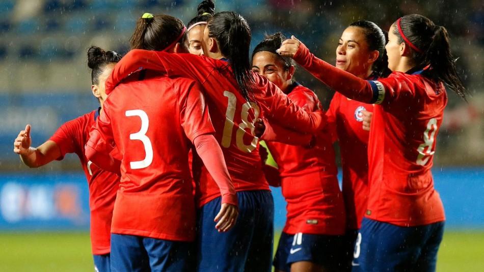 La Roja femenina se prepara para el Mundial. / Agencia Uno