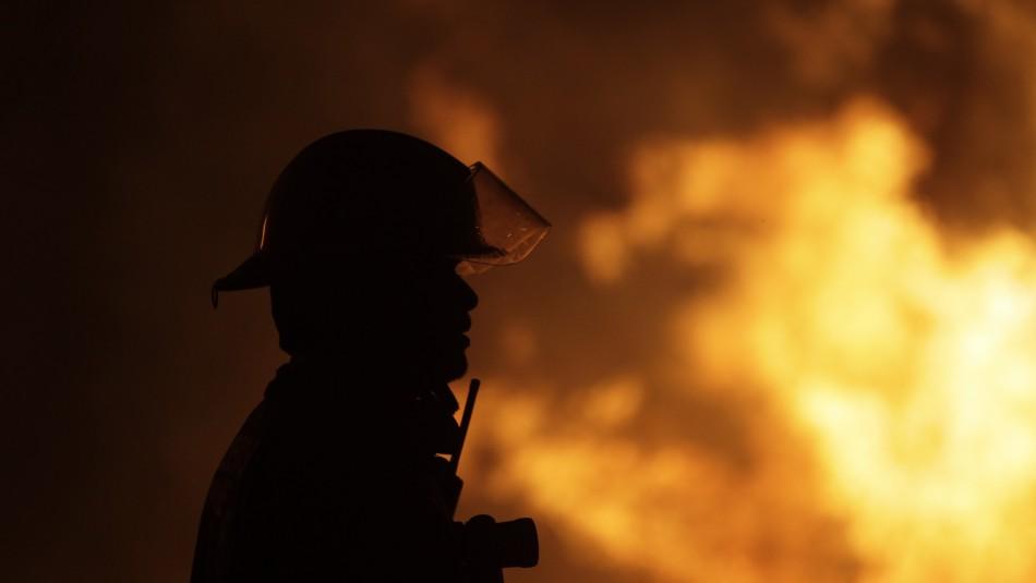 Hombre en situación de calle murió en el incendio que afectó a mediagua en Peñalolén / Referencial Agencia UNO.