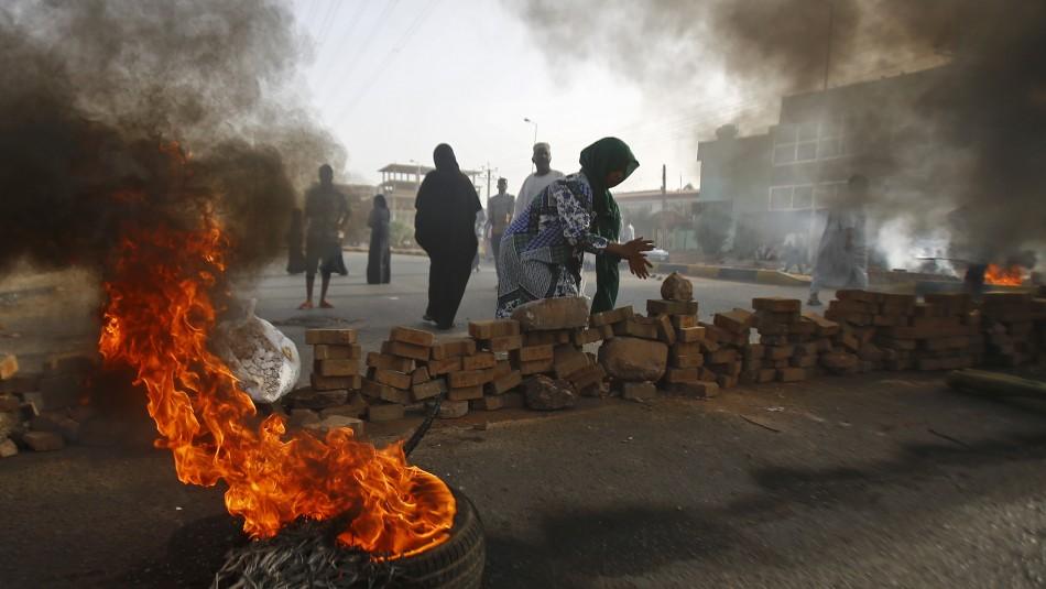 Aumenta a 60 el balance de muertos por violenta jornada de represión de manifestantes en Sudán / Agencia AFP.