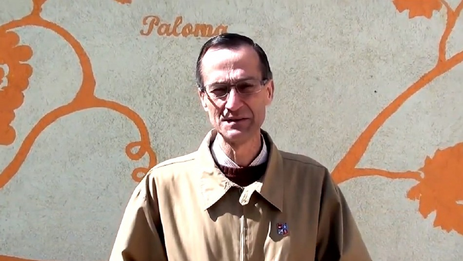 El sacerdote Alejandro Longueira. / YouTube