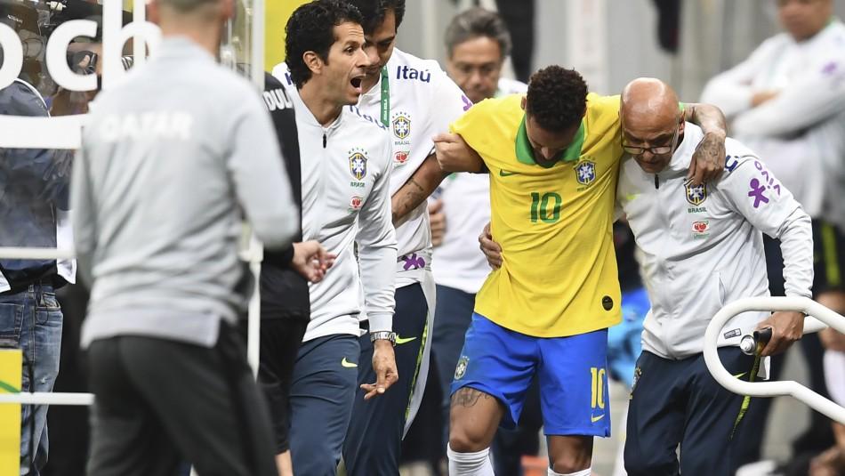 Neymar y su grave lesión / AFP.