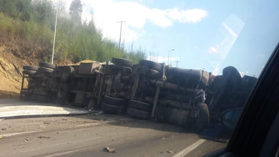 Accidente en Ruta del Itata / Twitter: IEC_CHILE