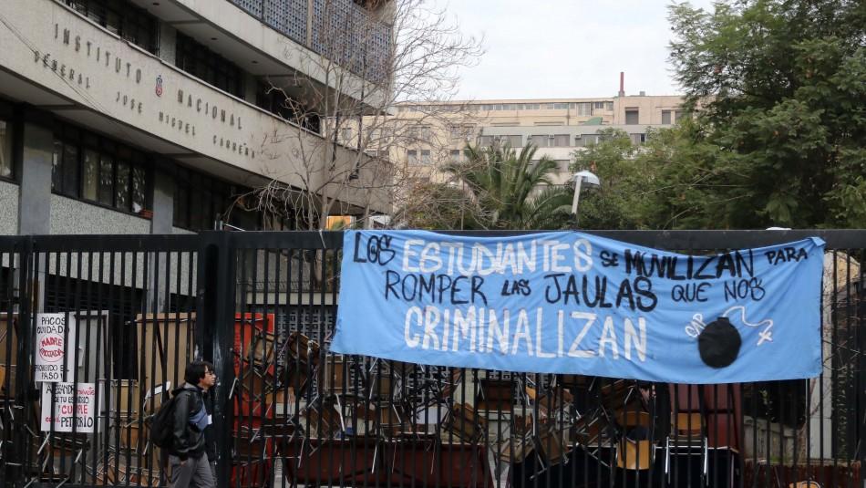Estudiantes de Instituto Nacional tras reunión con autoridades: Las bases decidirán si sigue la toma