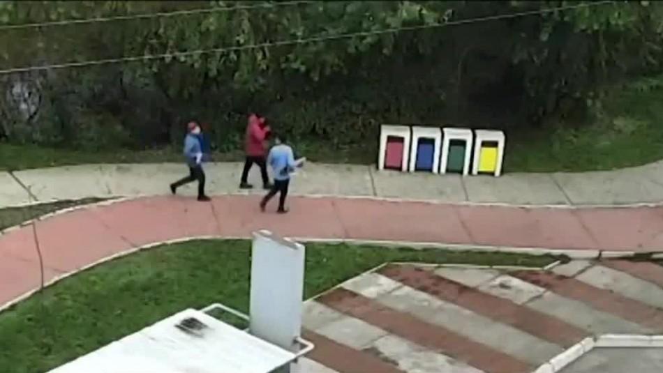 [VIDEO] Cámara de seguridad muestra pelea que terminó con la muerte de joven skater