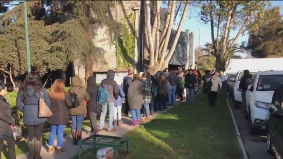 Influenza: Municipalidad de Maipú habilita vacunatorio especial y genera largas filas