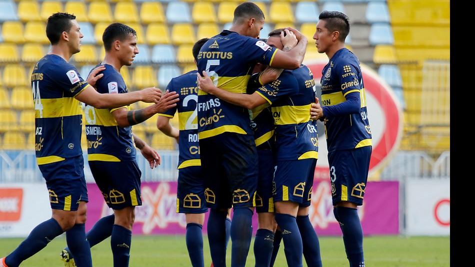 Everton venció a Cobresal en  Viña. / Agencia Uno