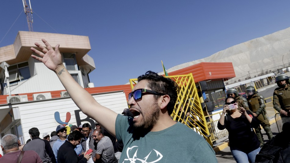 Huelga en Chuquicamata: Codelco suspende beneficios de salud a trabajadores