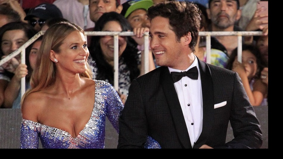 Mayte Rodríguez y Diego Boneta posan juntos durante un evento en Italia