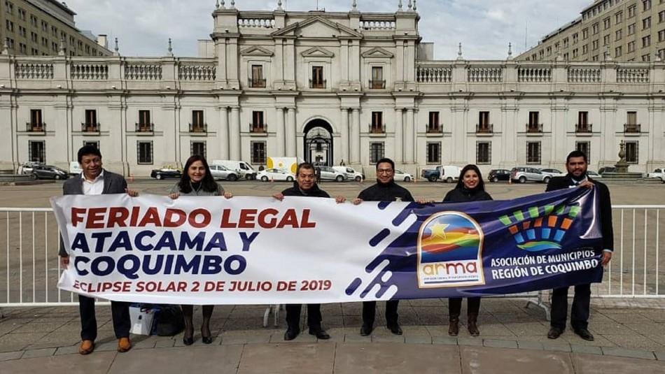 Alcaldes de Atacama y Coquimbo se reúnen con Gobierno para solicitar feriado el día del eclipse solar