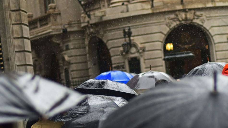 Vuelven las lluvias a Santiago: Revisa el pronóstico del tiempo para los próximos días