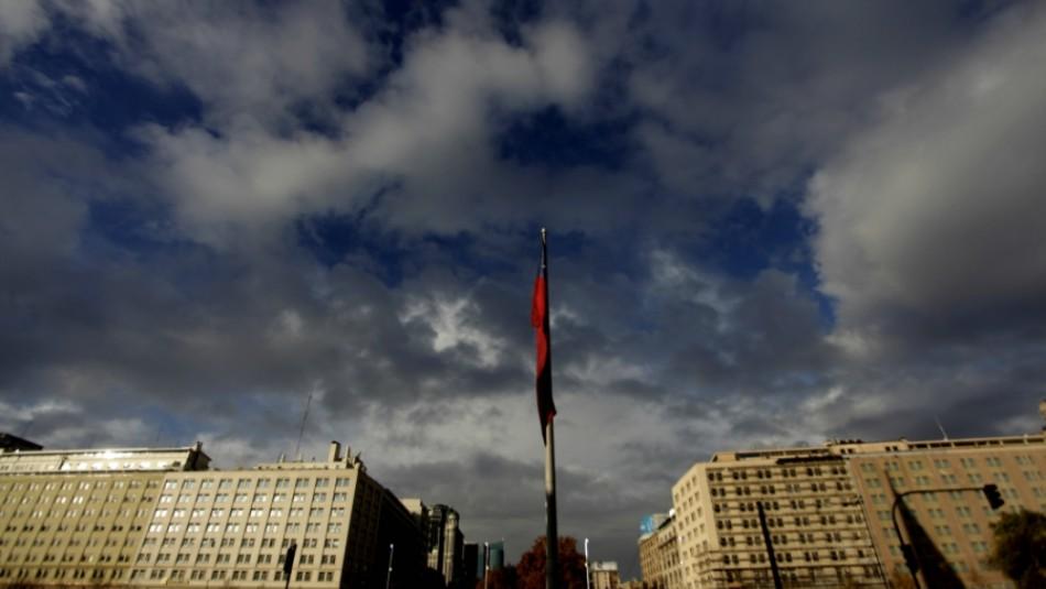 ¿Vuelven las nubes a Santiago?: Revisa el pronóstico del tiempo para los próximos días