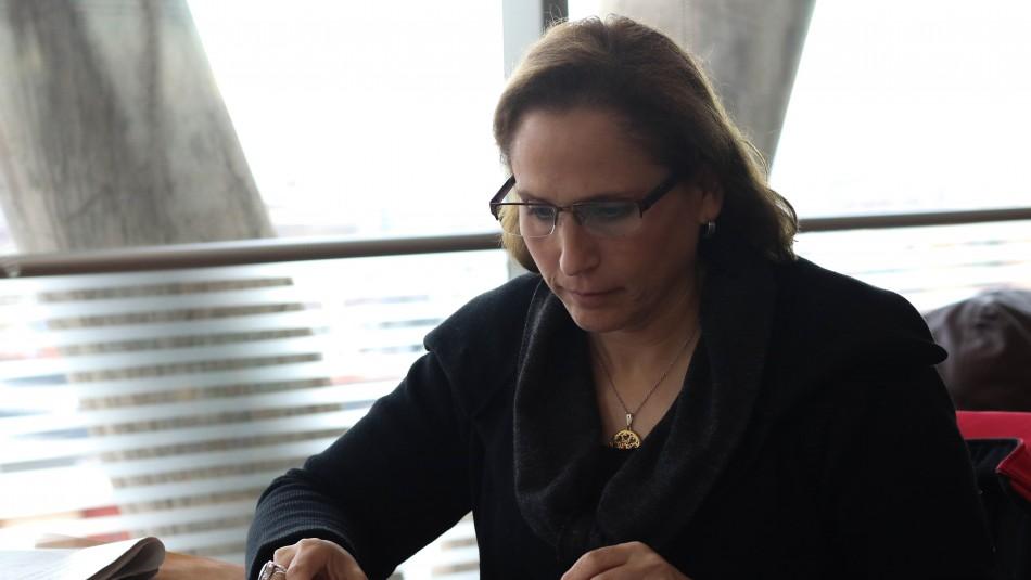 Alcaldesa de Peñalolén y toque de queda: