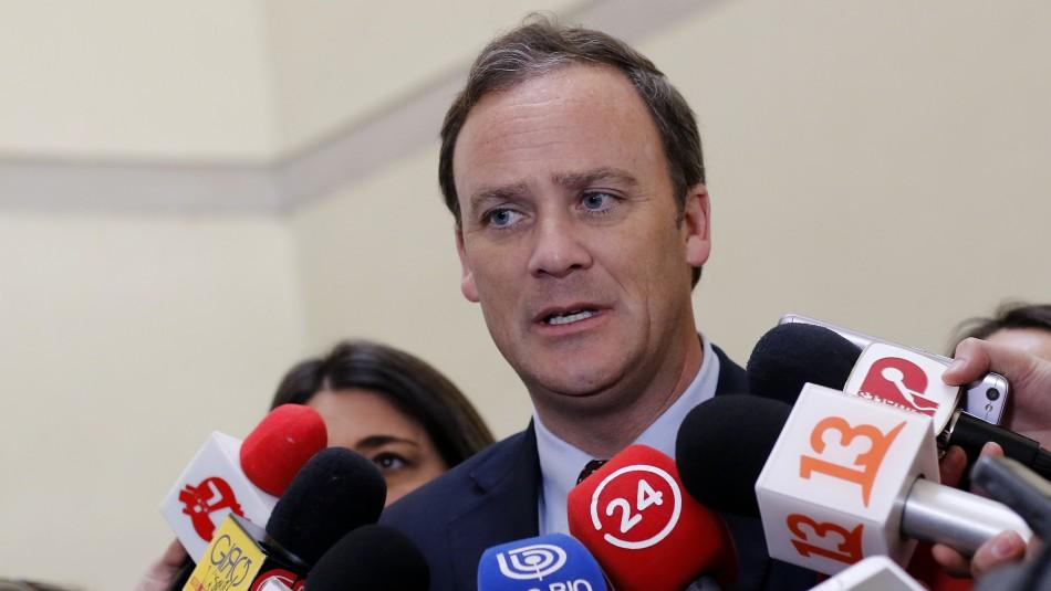 Ward aclara que jefe de Bienes Nacionales será despedido si se confirma que apostó
