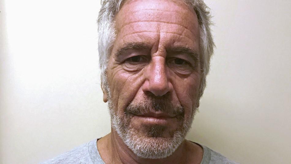 Reportan que millonario estadounidense acusado de pedofilia se suicidó en prisión