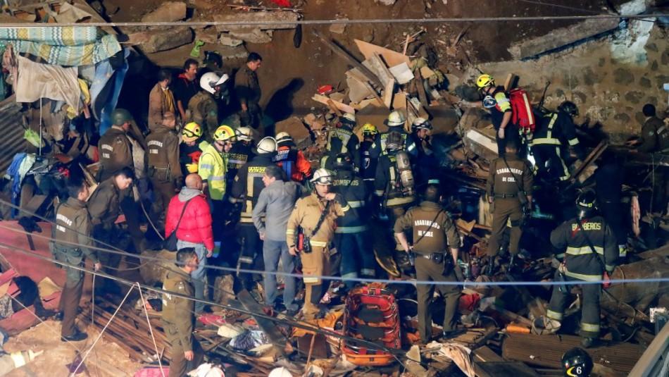 Derrumbe de casa en Valparaíso: Aumenta a cuatro la cifra de víctimas fatales