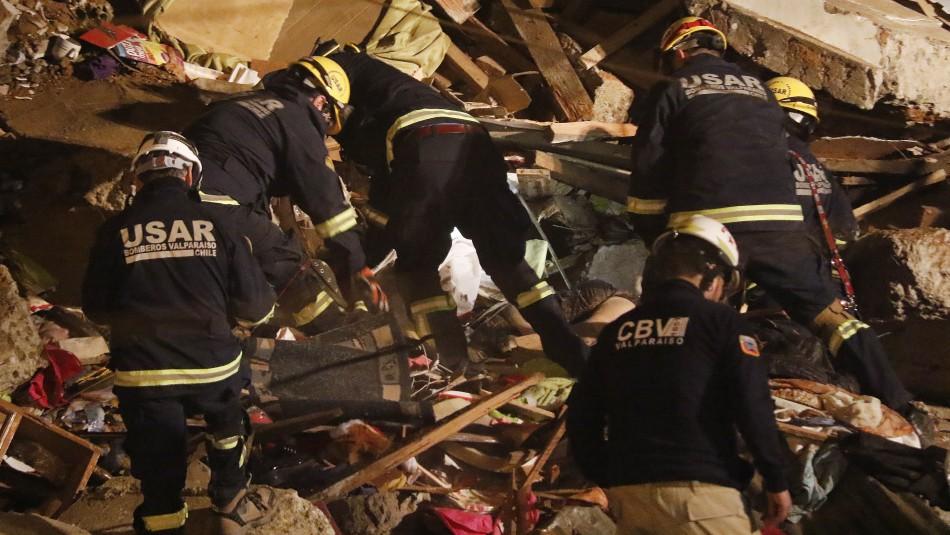Derrumbe en Valparaíso: Bomberos confirma seis víctimas fatales