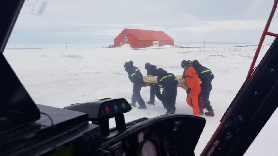 Imagen del rescate realizado por la FACh.