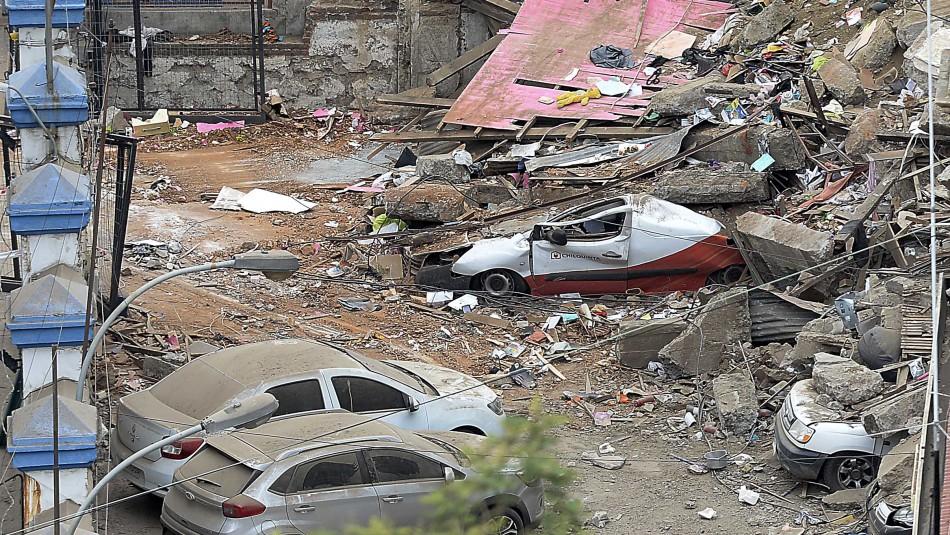 Confirman identidades de tres víctimas del derrumbe de casa en Valparaíso