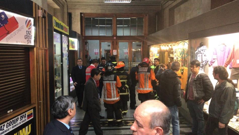 Emergencia por caída de dos ascensores en el centro de Santiago