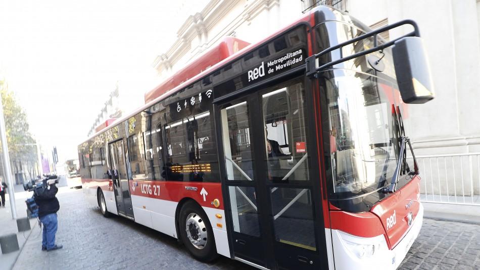 Ministras de blanco y un viaje en Red: El particular
