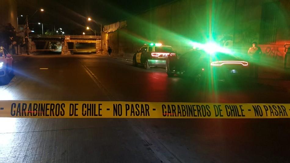 Persecución policial por Santiago: Un millonario botín, disparos contra un cuartel policial y un detenido