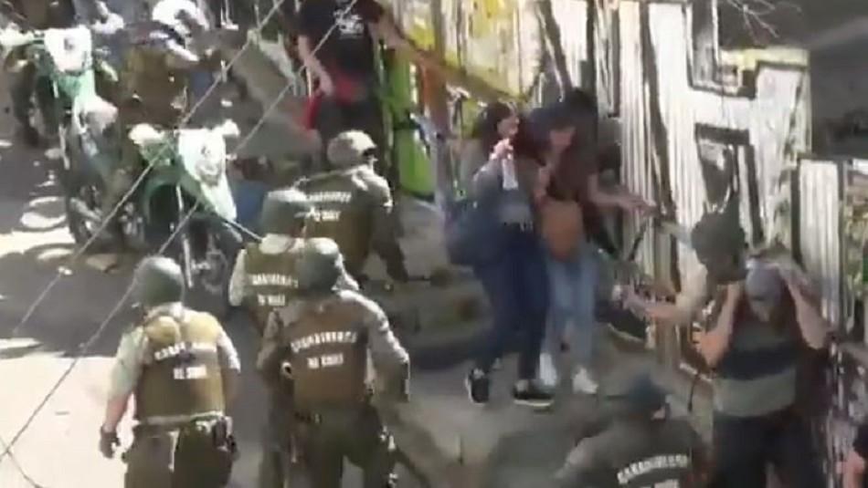 Carabineros investiga violentas agresiones en cerro de Valparaíso tras conocerse video