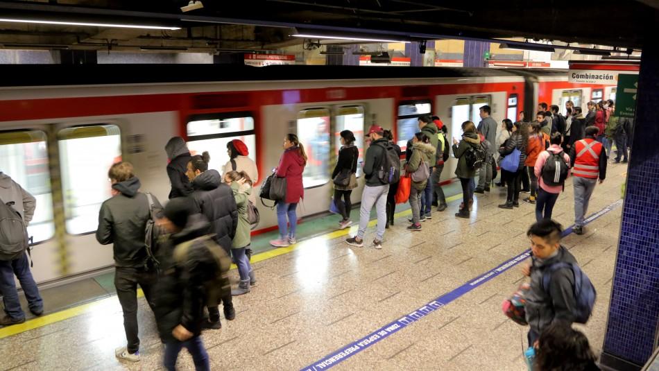Metro de Santiago suspende tramo de la Línea 1 por procedimiento policial