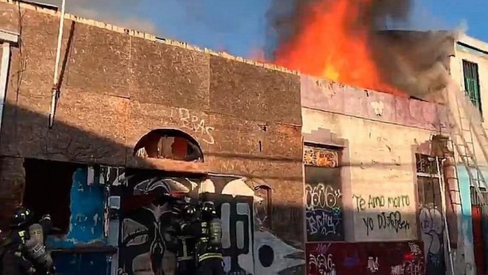 Incendio afectó a una vivienda en Santiago