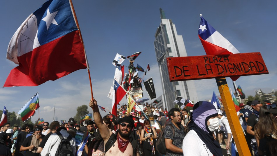 Plaza de la Dignidad: Moción municipal busca renombrar la histórica Plaza Baquedano