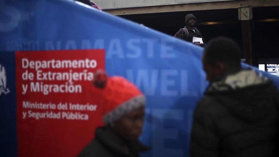 Migración: Cantidad de extranjeros que salieron del país superaron los ingresos en octubre