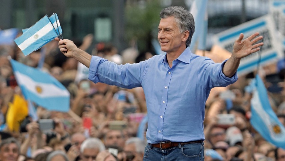 Miles de seguidores despiden a Macri a días del cambio de gobierno