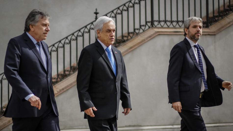 Piñera se traslada a Cerrillos para monitorear búsqueda de avión de la FACh
