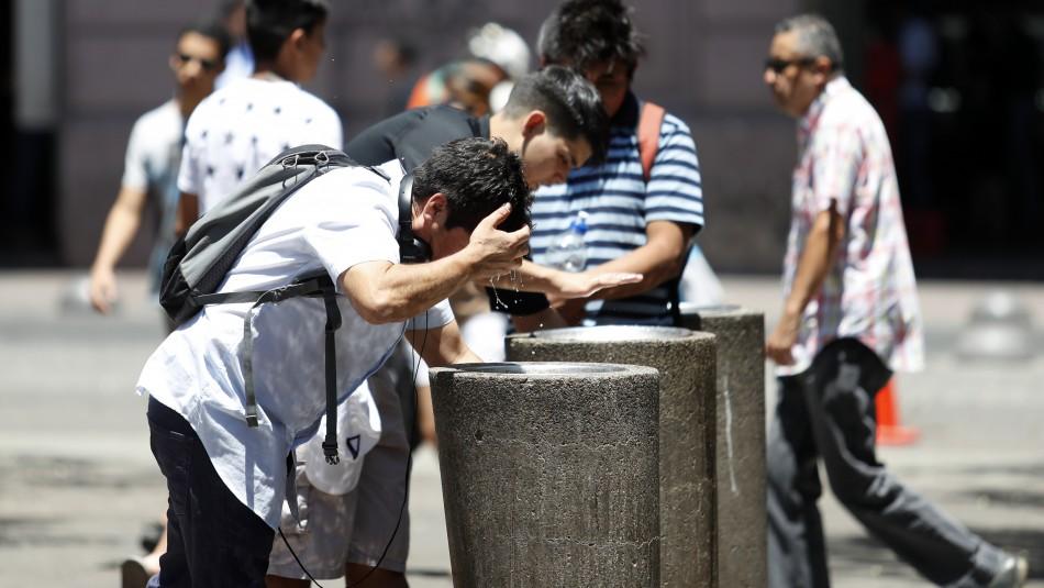 Hasta 34°: Santiago tendrá un jueves con alta temperatura y noche calurosa
