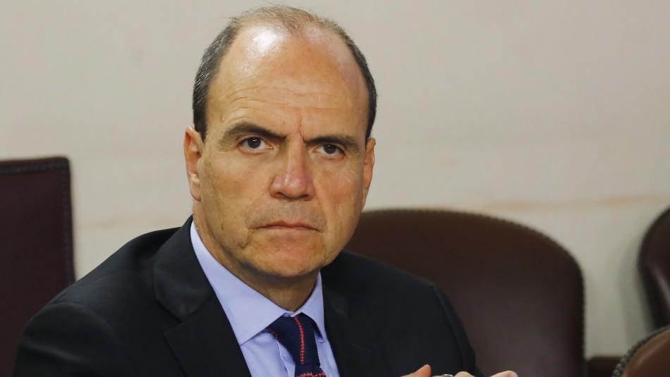 Ministro de Vivienda anuncia querella por presunta corrupción al interior de la cartera